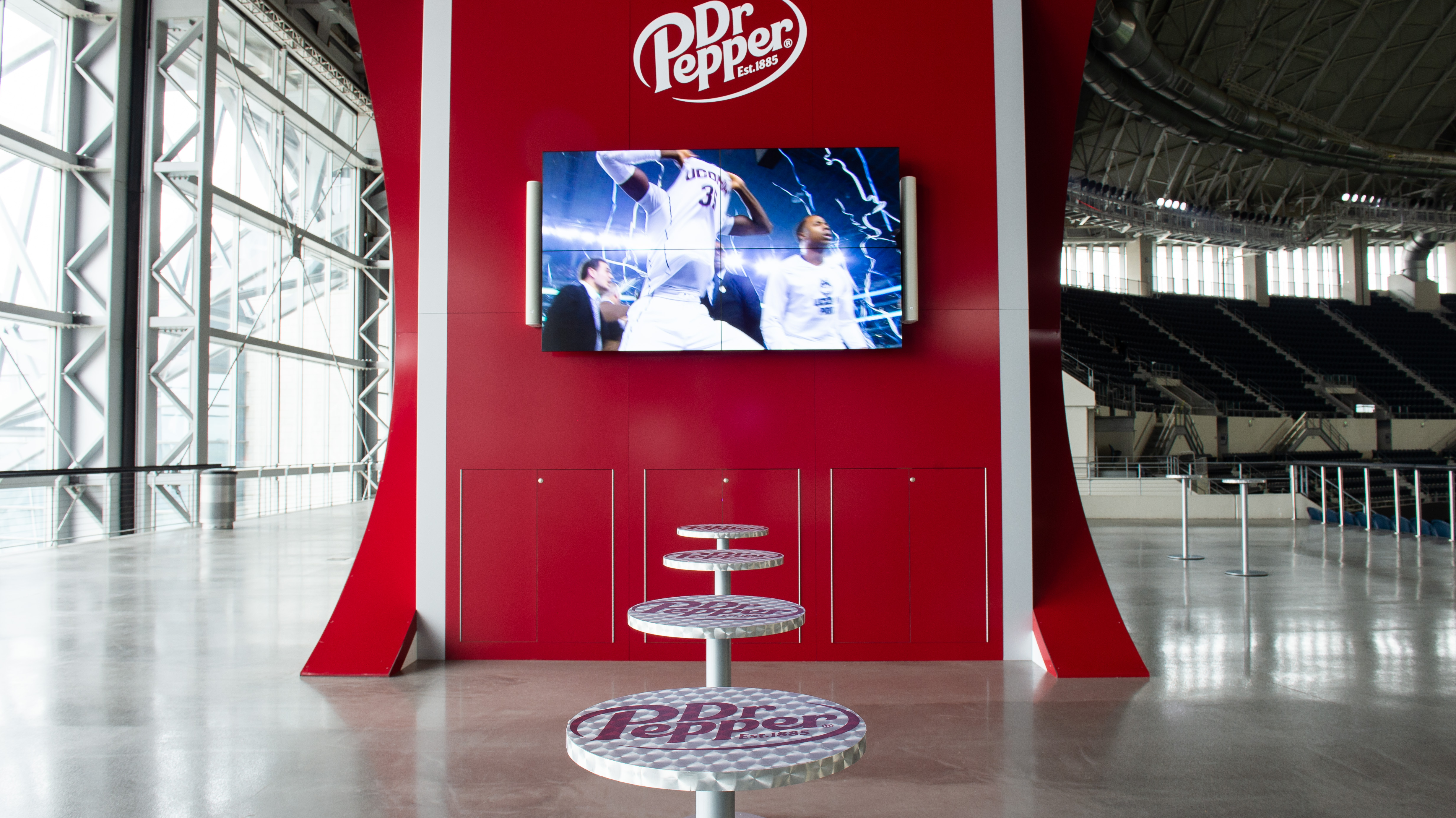 Dr Pepper Star Bar Table and Screen